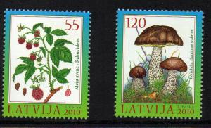 Latvia Sc 767-8  2010 Berries Mushrooms stamp set mint NH
