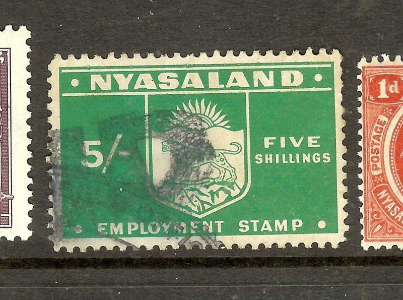 NYASALAND (P2306B) REVENUE EMPLOYMENT STAMP 5/-   VFU
