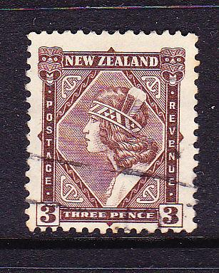 NEW ZEALAND 1935-42  3d  PICTORIAL  FU  SG 561