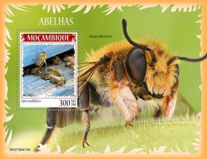 MOZAMBIQUE (MOÇAMBIQUE) / 2019 Bees. Block
