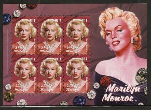 Maldives Islands 2824 2004 Marilyn Monroe mini-sheet NH