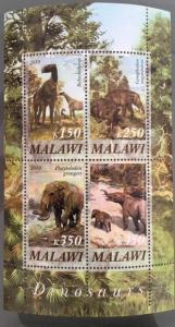 Malawi 2010 M/S Dinosaurs Prehistorics Wild Animals Nature Plants Stamps MNH (1)