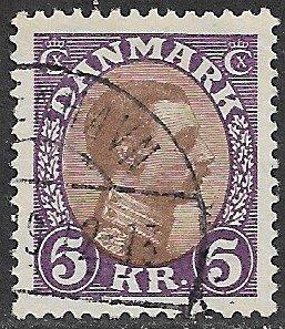 DENMARK 1913-28 5kr Violet and Brown King Christian X Portrait Issue Sc 130 VFU