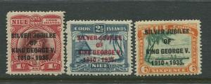 STAMP STATION PERTH Cook Islands #98-100  MVLH Silver Jubillee Set CV$12.00.