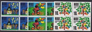 NIUE 1975 Christmas set blocks of 4 MNH.....................................1794