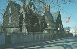2075 20c CREDIT UNIONS - House of Gables post card