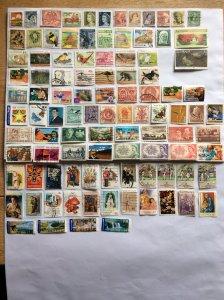 Australia 100 stamps - Lot F