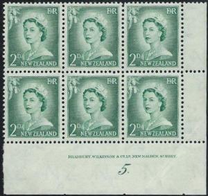 NEW ZEALAND 1955 2d large figures plate block # 5 Dot mint.................50889