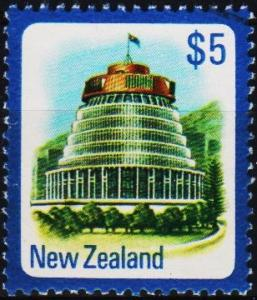 New Zealand. 1975 $5 S.G.1105 Fine Used