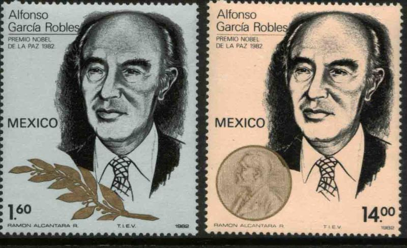 MEXICO 1307-1308 Nobel Peace Prize Alfonso Garcia Robles MINT, NH. F-VF.
