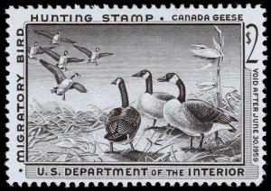 United States Hunting Permit Stamp Scott RW25 (1958) Mint LH VF W