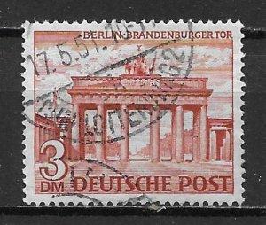 Germany Berlin 9N59 3m Brandenburg Gate single Used (z4)