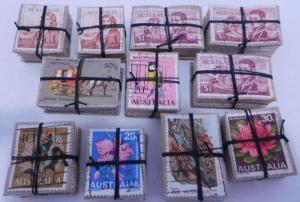 Australia ex-dealer Stock 1100 Stamps in 11 Blocks of 100 each 10c - $1 F
