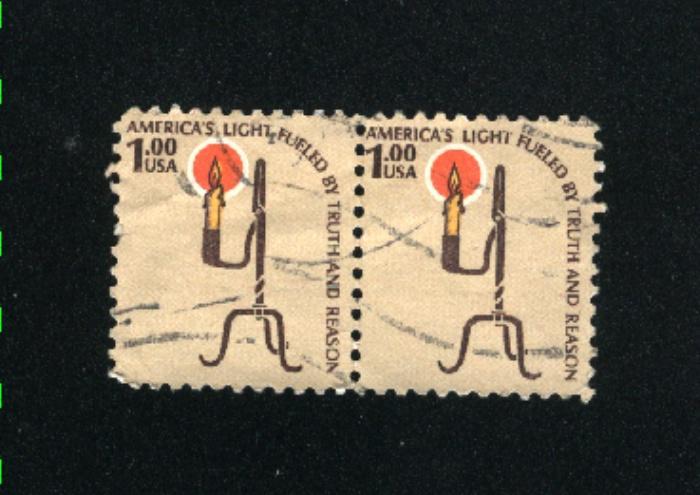 USA #1610  1 used pair 1975-81 PD .12