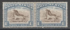 SOUTH AFRICA 1933 WILDBEEST 1/- PAIR HYPHENATED UNSCREENED