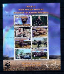[54299] Mozambique 2002 Wild animals WWF Elephant Prince Bernhard MNH Sheet