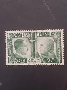 *Italy #415              MH