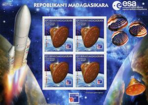 MADAGASCAR 1999 European SPACE Agency s/s Perforated mnh.vf