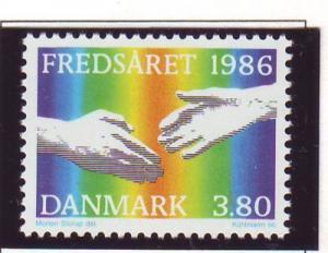 Denmark Sc 817 1986 International Peace Year stamp mint NH