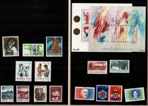 Norway Scott 937-53 Mint NH (Catalog Value $59.50) -1989 Year Pack