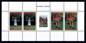 [SUV1353] Surinam Suriname 2005 Children games Miniature Sheet with tab MNH