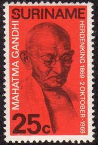 Suriname 365 - Mint-NH - 25c Mahatma Gandhi (1969) (cv $1.00)