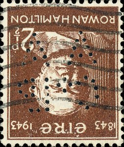 IRLANDE / IRELAND / EIRE - 1943 -  A A / C° Ld  PERFIN on 2 1/2d brown SG132