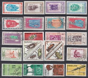 FRENCH  COLONIES^^^^^^OLDER    MNH/MH/used   ( great TOPICALS) @ dca 1412colo