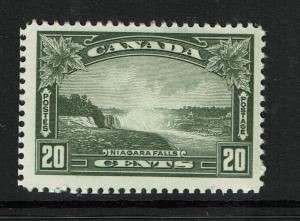 Canada SC# 225 Mint Hinged / Hinge Rem / Small Gum Scratch - S2750