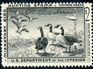 #RW25 – 1958 $2.00 Canada Geese. Used.