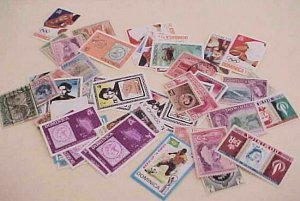 DOMINICA STAMPS 48 MOSTLY DIFFERENT MOSTLY MINT NH, 3 USED