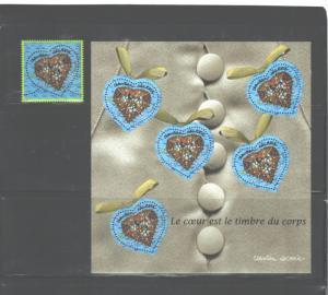 FRANCE 2001 LA COEUR EST LE TIMBRE DU CORP #2797 + #2797a MNH