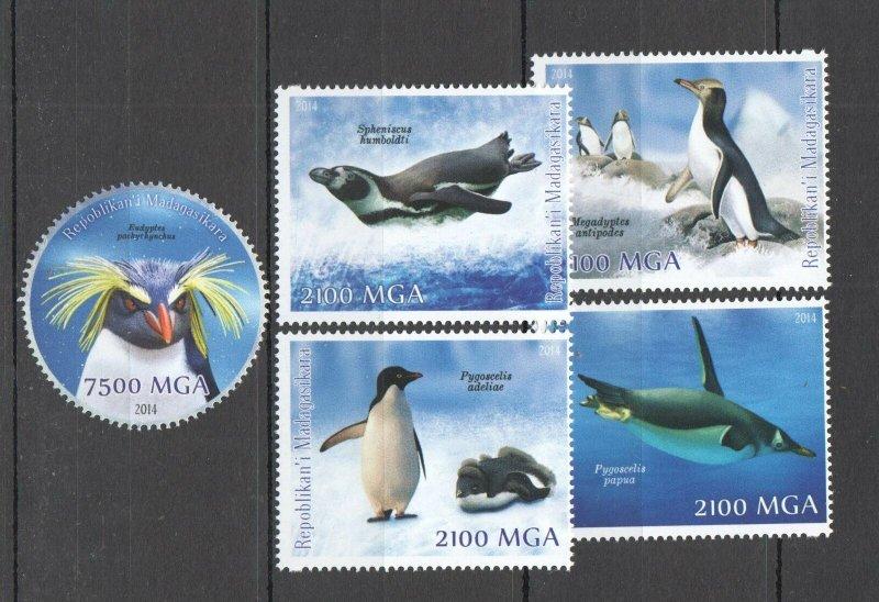 C1201 2014 MADAGASCAR PENGUINS BIRDS FAUNA 1SET MNH