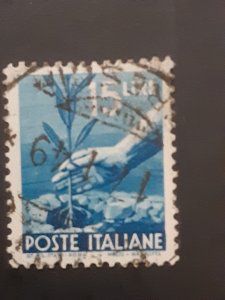 *Italy #473A               Used