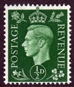 GB KGVI 1937 0.5d Green SG462 Mint Never Hinged MNH UMM