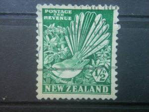 NEW ZEALAND, 1935-6, used 1/2p, Pied Fantail Scott 185/203