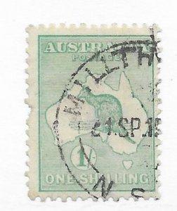 Australia #51 Margin Fault - Stamp - CAT VALUE $14.00