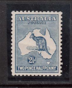 Australia #4 VF Mint