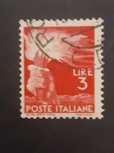 *Italy #471                Used