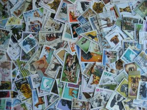 Topical hoard breakup 200 Dogs. Mixed condition, few duplicates