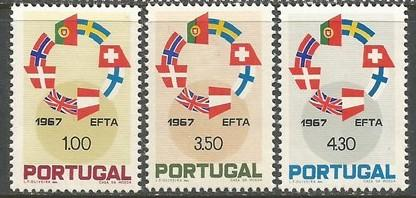 PORTUGAL 1011-13 MNH FLAGS Z146