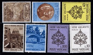 ITALY STAMP VATICAN MNH STAMP COLLECTION LOT #T3