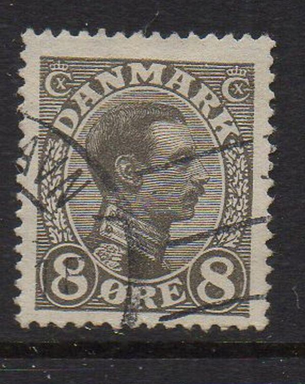 Denmark Sc 99 1920 8 ore gray Christian X stamp used