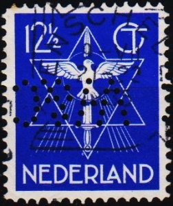Netherlands. 1933 12 1/2c(Perfin W&C) S.G.412 Fine Used