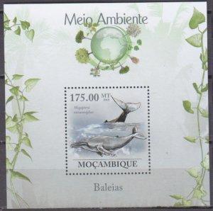 2010 Mozambique 3642/B312 Whales 10,00 €