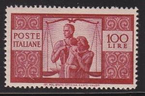 Italy 477  VF-NH nice color scott cv $ 450 ! see pic !
