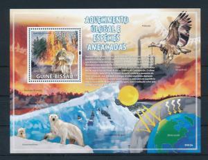 [26417] Guinea Bissau 2009 Animals Global warming Wolf Polar bear MNH S/S