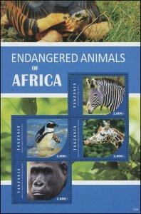 Tanzania 2016 Sc 2780 Birds penguin zebra giraffe gorilla CV $7.50