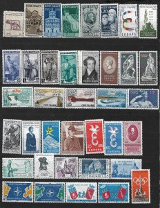 COLLECTION LOT OF # 845 ITALY 38 MH STAMPS 1944+ CV+$24