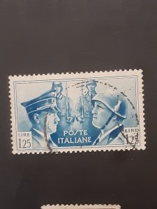 *Italy #418                 Used